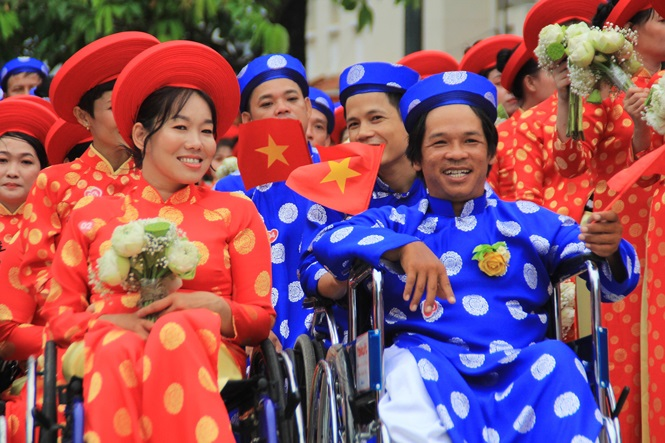 100 cặp cô dâu chú rể hạnh phúc trong lễ cưới tập thể ngày Quốc khánh - Ảnh 6