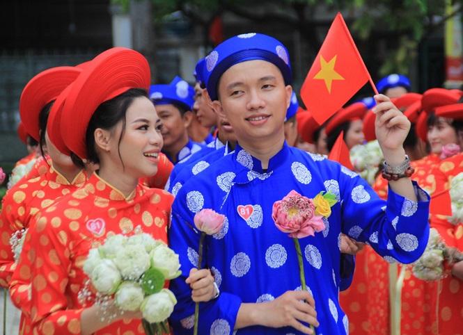 100 cặp cô dâu chú rể hạnh phúc trong lễ cưới tập thể ngày Quốc khánh - Ảnh 7
