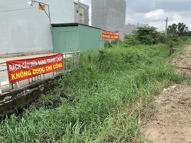 Dân khốn khổ vì rạch Cầu Dừa bị dự án Thăng Long Home xóa sổ - Ảnh 1