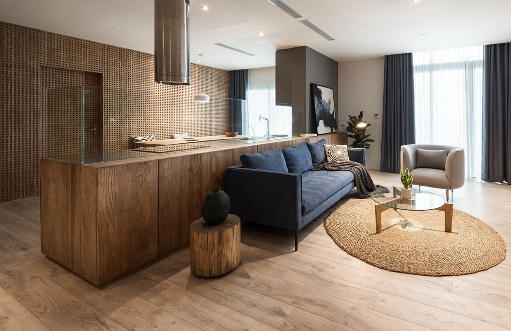 Căn hộ view Hồ Tây được cải tạo với nội thất gỗ tần bì - Ảnh 3