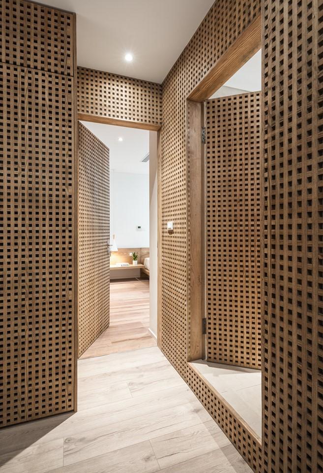 Căn hộ view Hồ Tây được cải tạo với nội thất gỗ tần bì - Ảnh 7