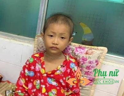 Xót lòng bé gái 7 tuổi bị ung thư máu, ước mơ được trở về nhà đi học như bạn bè - Ảnh 3