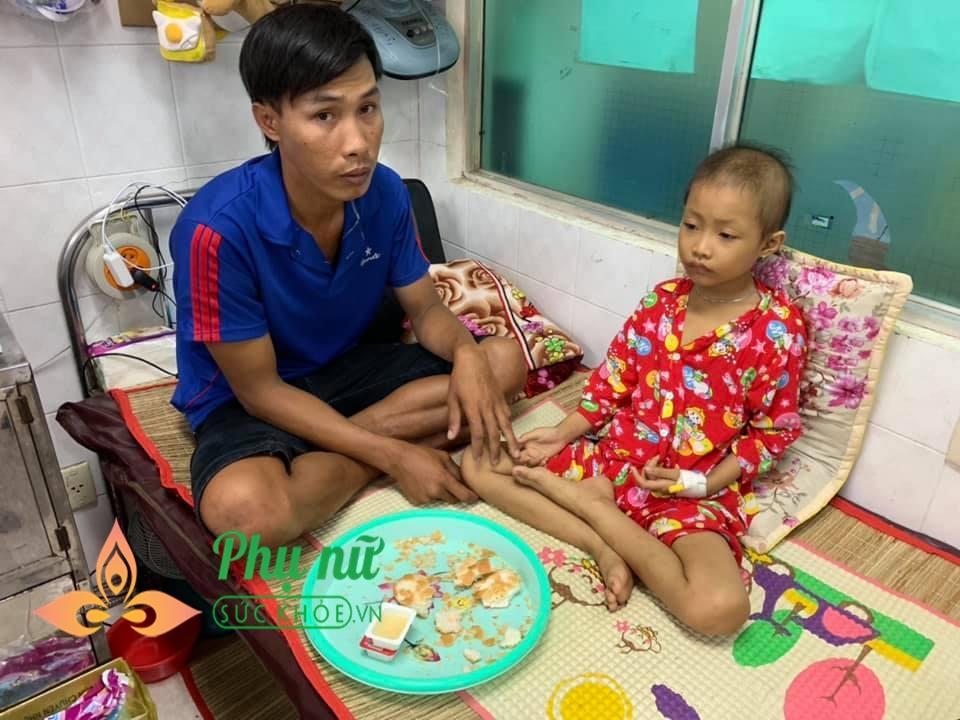Xót lòng bé gái 7 tuổi bị ung thư máu, ước mơ được trở về nhà đi học như bạn bè - Ảnh 4