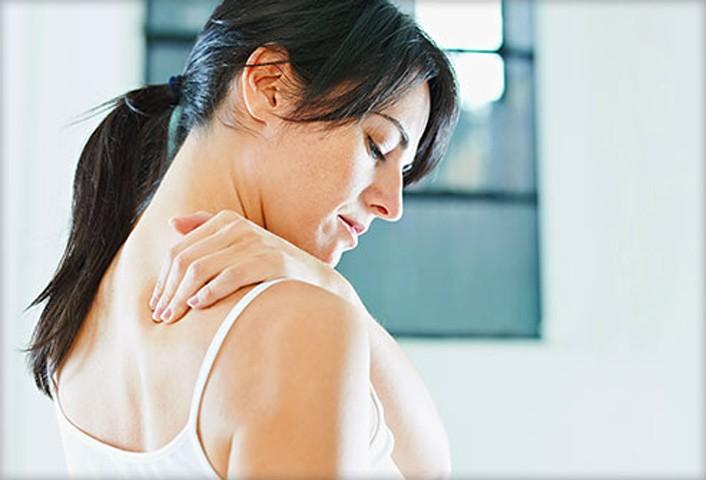 Triệu chứng mệt mỏi mãn tính là nguyên nhân khiến bạn thường xuyên bị đau đầu, đau nhức cơ, xương khớp, nổi hạch và đau họng