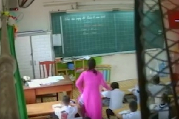 Tranh cãi 'thương cho roi vọt' vụ cô giáo đánh nhiều học sinh ở TP.HCM - Ảnh 1