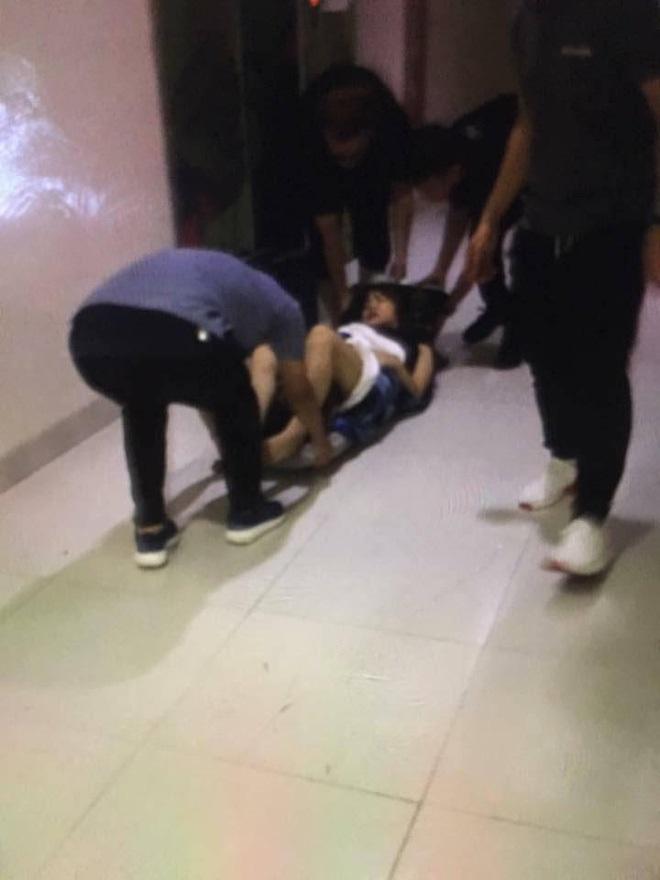 Đôi nam nữ mắc kẹt hàng giờ trong thang máy, tầng 25: một người chấn thương ở đầu, một người bất tỉnh nhân sự - Ảnh 5