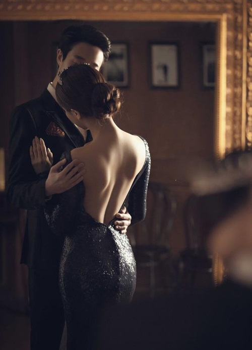 Hãy vứt ngay những bộ đầm khoét ngực khoe thân, đây mới là cách khiến mọi đàn ông bị 'hạ gục' bạn phải thuộc lòng - Ảnh 1