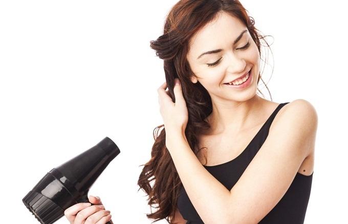 Cứ để tóc ướt đi ngủ đi, sau vài lần bạn sẽ khóc thét với hậu quả kinh hoàng - Ảnh 6
