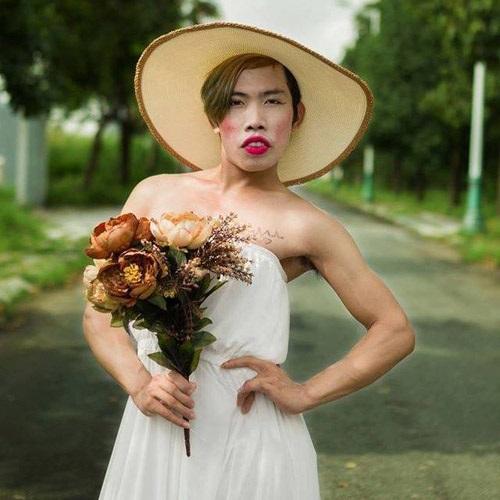 Hậu thẩm mỹ, Tùng Sơn giả gái đi thi 'Thách thức danh hài'