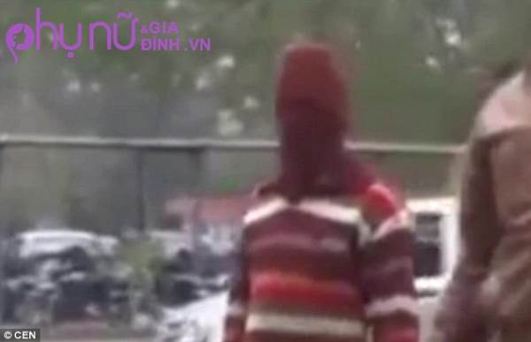 Gã thợ may hiếp dâm hơn 600 bé gái mặc đúng một chiếc áo trong 14 năm vì nguyên nhân gây sốc - Ảnh 3