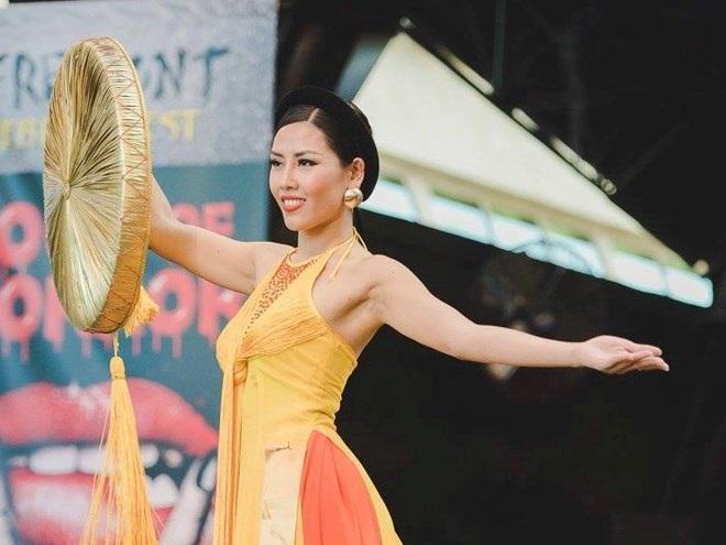 Những hoa hậu Việt cứ lặng lẽ đi thi lại được giải cao - Ảnh 10