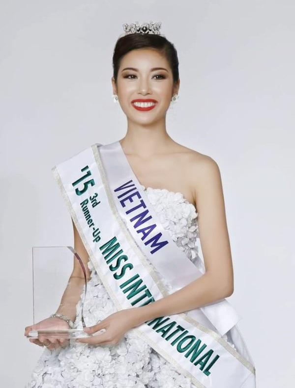 Những hoa hậu Việt cứ lặng lẽ đi thi lại được giải cao - Ảnh 6