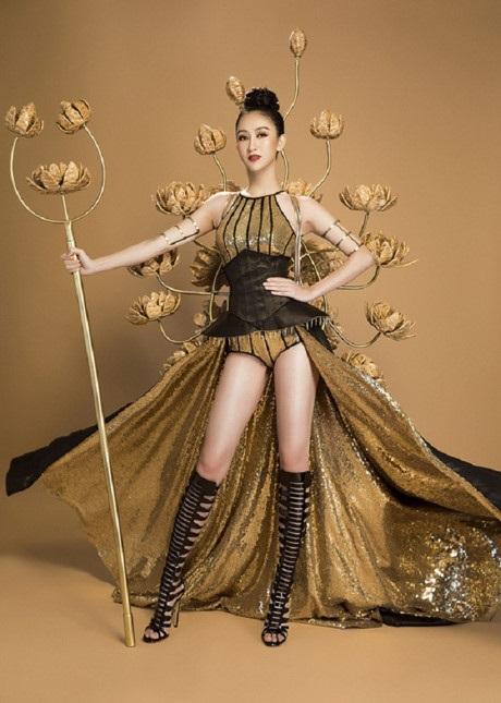 Những hoa hậu Việt cứ lặng lẽ đi thi lại được giải cao - Ảnh 15