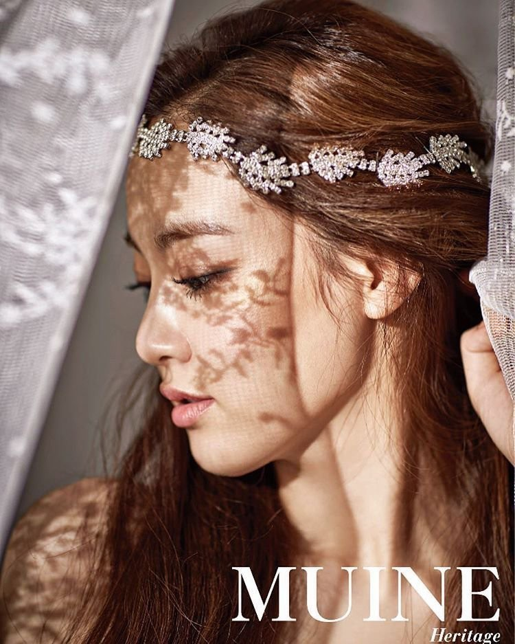 Ngẩn ngơ trước vẻ đẹp 'thoát tục' của bạn gái G-Dragon  - Ảnh 3