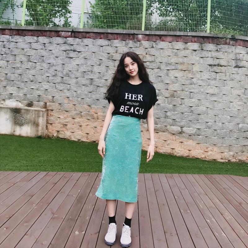 Ngẩn ngơ trước vẻ đẹp 'thoát tục' của bạn gái G-Dragon  - Ảnh 9