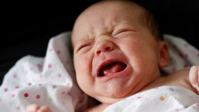 Con bạn đang bị thiếu canxi trầm trọng nếu trẻ có những biểu hiện này - Ảnh 1