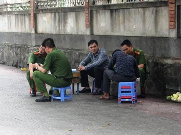 Nam thanh niên dùng dao đâm bạn gái rồi tự tử ở Sài Gòn - Ảnh 1