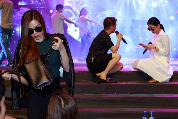 Những tình chị em 'cây khế' của làng giải trí Việt, trước nói cười sau lại ngó lơ như chưa từng quen - Ảnh 2