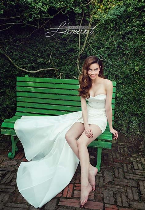 Diện váy cưới lộng lẫy khoe vòng 1 sexy, Hồ Ngọc Hà khiến hàng triệu fan xốn xang tan chảy - Ảnh 2