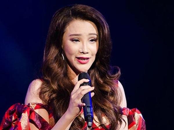 Những sao Việt 'dọa' khán giả vì gương mặt khác lạ khi phẫu thuật thẩm mỹ hỏng - Ảnh 2