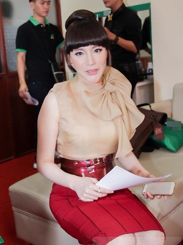 Những sao Việt 'dọa' khán giả vì gương mặt khác lạ khi phẫu thuật thẩm mỹ hỏng - Ảnh 3
