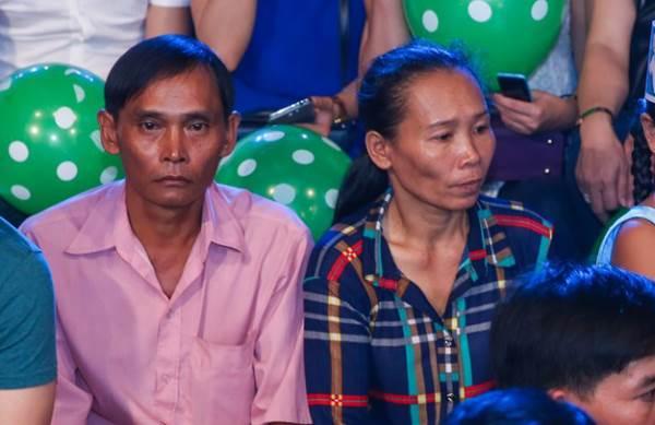 Mới được Phi Nhung nhận nuôi 3 tháng, Hồ Văn Cường đã trở thành cậu bé như thế này - Ảnh 2