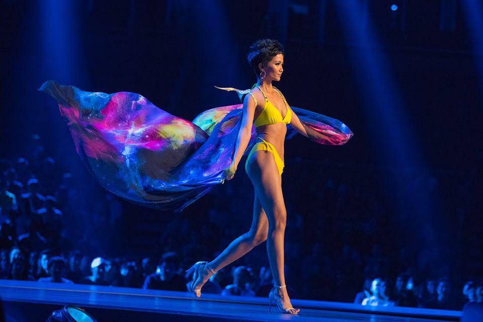 Sau kỳ tích top 5 Miss Universe, H'Hen Niê được bình chọn là Hoa hậu trình diễn áo tắm nóng bỏng nhất 2018 - Ảnh 3