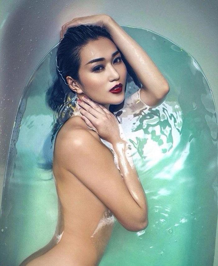 'Bỏng mắt' với loạt ảnh mỹ nhân Việt thi nhau bán nude trong bồn tắm - Ảnh 5