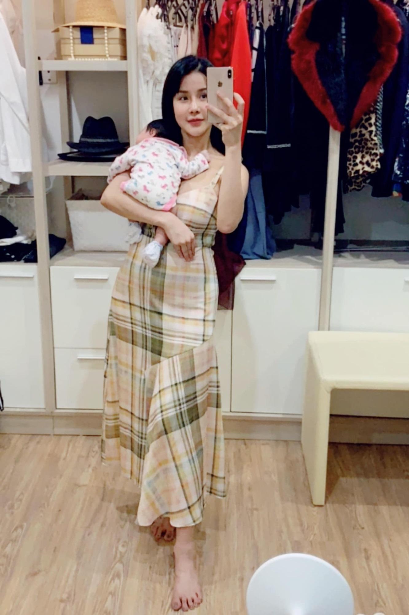 Diệp Lâm Anh khoe ảnh con gái 1 tháng tuổi, fan ngưỡng mộ vóc dáng sau sinh - Ảnh 1