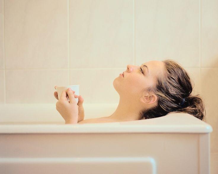 Tắm rửa thường xuyên sẽ hỗ trợ cho quá trình trị hôi nách sau sinh