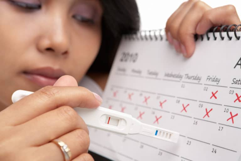 Việc thử thai quá sớm có thể dẫn đến kết quả sai lệch. Ảnh minh họa: Internet
