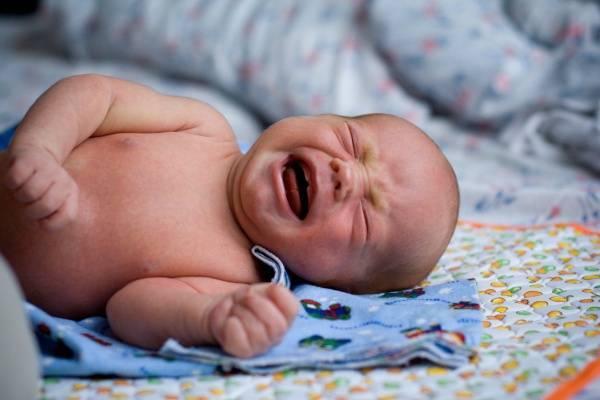 Điều đại kỵ nếu nhà đang có trẻ sơ sinh theo dân gian cha mẹ nào cũng nhất định phải biết - Ảnh 1