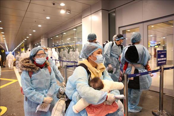 Ca nhiễm nCoV thứ 15 ở Việt Nam là bé gái 3 tháng tuổi - Ảnh 1