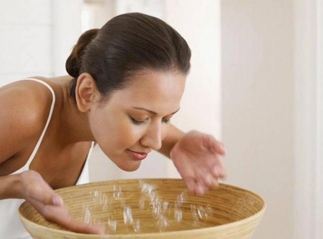 5 sai lầm khi rửa mặt khiến bạn tự làm hại làn da mình - Ảnh 1