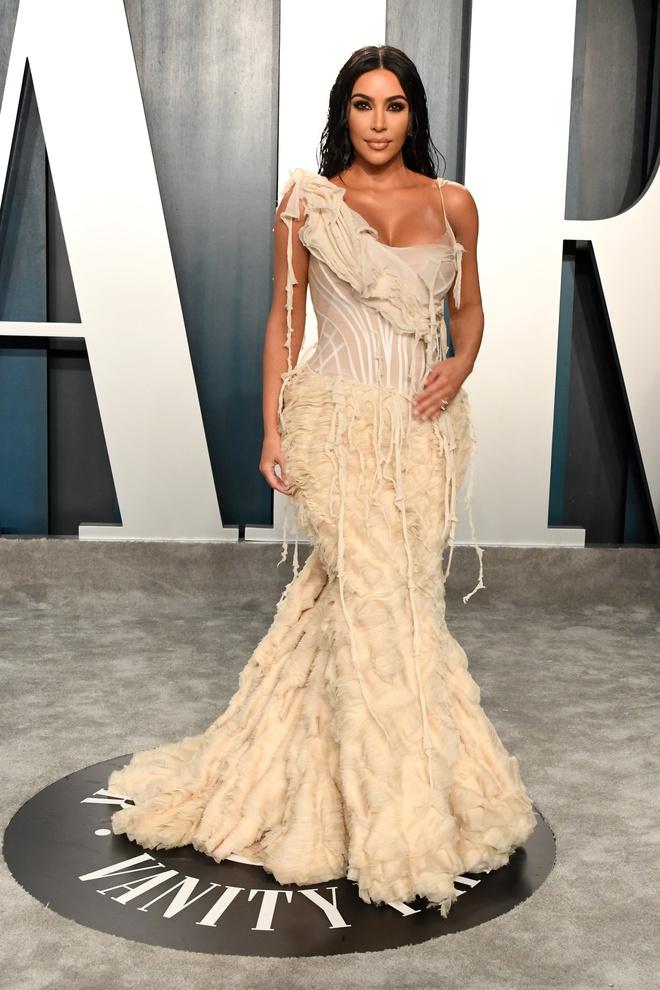 Dàn mỹ nhân lộ ngực phản cảm, mặc quần đùi tại bữa tiệc hậu Oscar - Ảnh 11