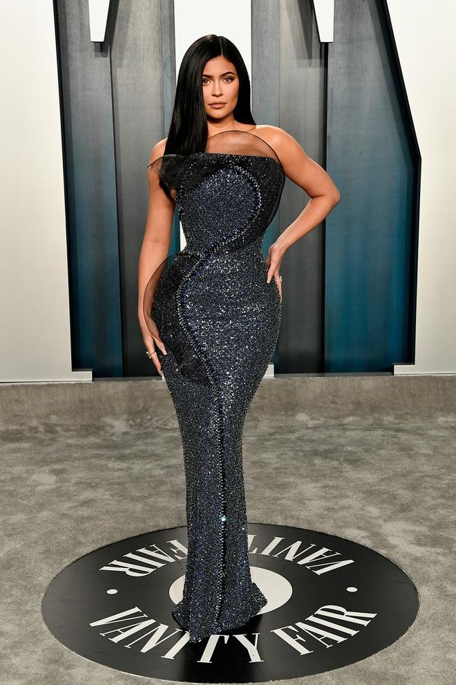 Dàn mỹ nhân lộ ngực phản cảm, mặc quần đùi tại bữa tiệc hậu Oscar - Ảnh 12