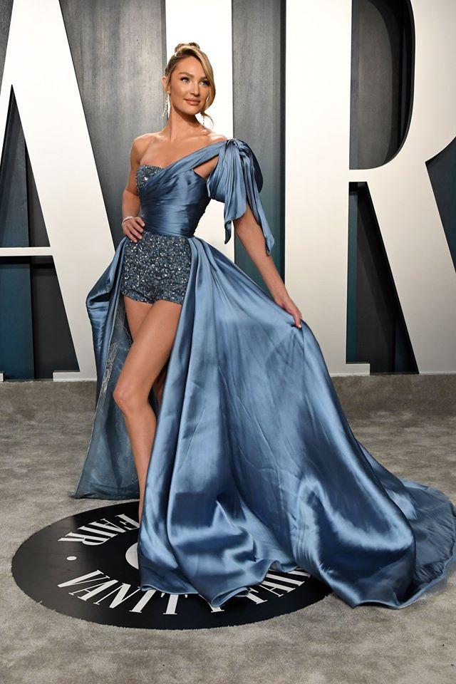 Dàn mỹ nhân lộ ngực phản cảm, mặc quần đùi tại bữa tiệc hậu Oscar - Ảnh 3