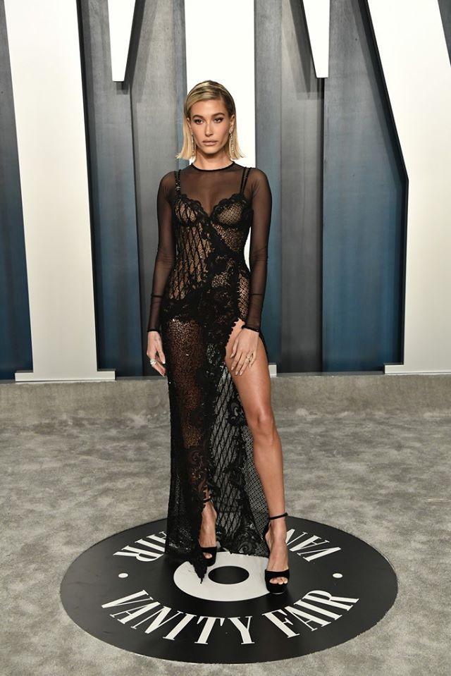Dàn mỹ nhân lộ ngực phản cảm, mặc quần đùi tại bữa tiệc hậu Oscar - Ảnh 5