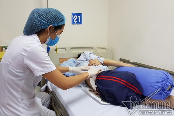 Chàng trai 21 tuổi thối nửa người do căn bệnh chưa có thuốc chữa - Ảnh 1