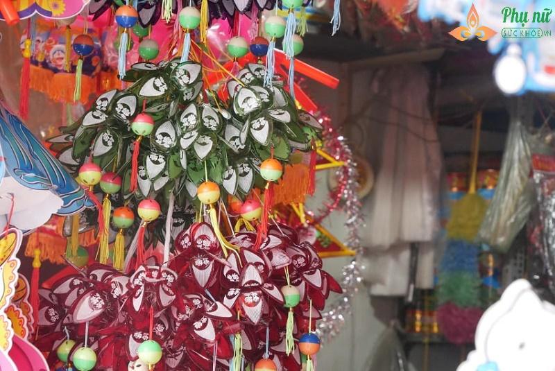 Về thăm làng đèn lồng truyền thống rộn ràng trước Tết Trung thu - Ảnh 1