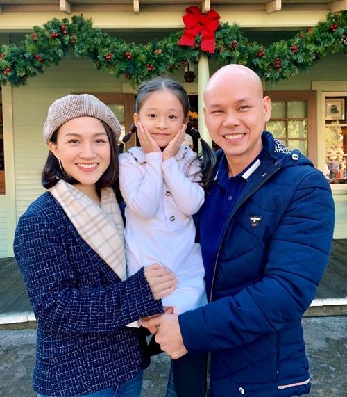 Bà xã Phan Đinh Tùng: 'Gác lại hoài bão từ khi làm vợ, làm mẹ' - Ảnh 1