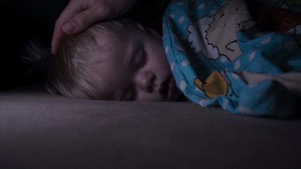 Các cách giúp bé ngủ dài hơn vào ban đêm - Ảnh 2