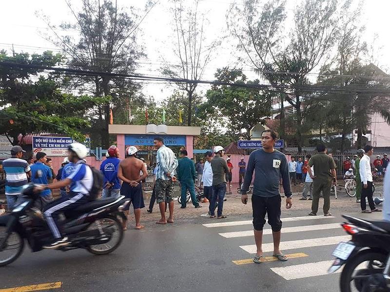 6 học sinh thương vong vì bị điện giật ngay cổng trường - Ảnh 2