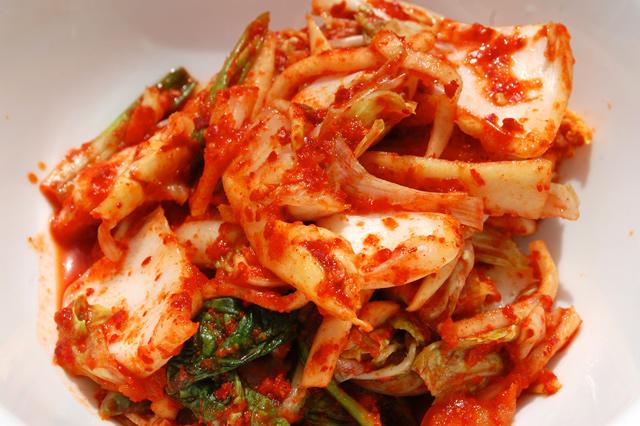 Tuyệt chiêu nấu lẩu kim chi Hàn Quốc ngon chuẩn vị, ai cũng mê mẩn - Ảnh 3
