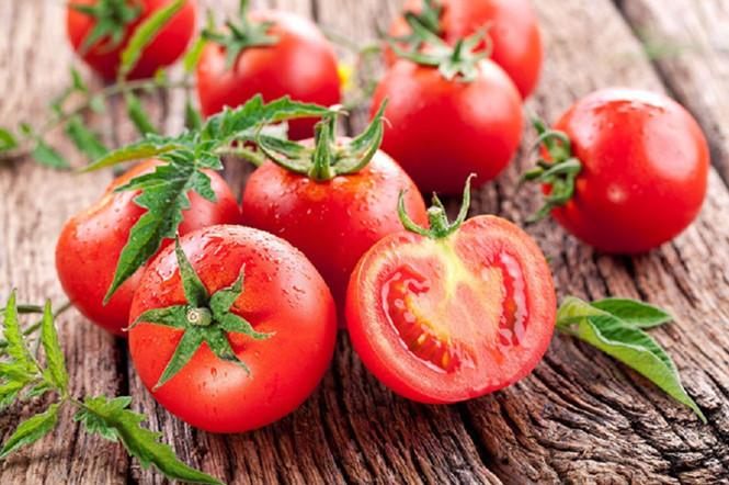 Cà chua là thực phẩm quen thuộc của mọi gia đình - Ảnh minh họa: Internet