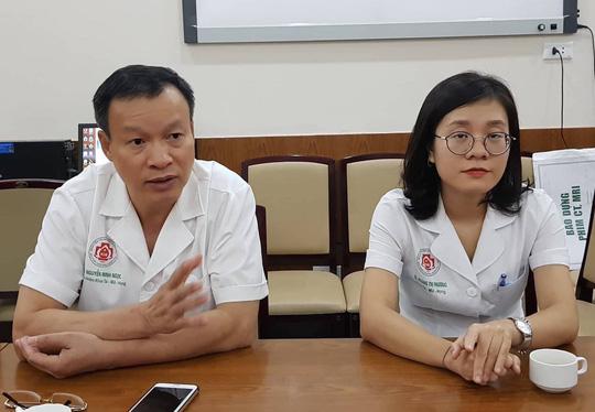 Nữ bác sĩ trẻ đột nhiên bị điếc do lây bệnh quai bị từ bệnh nhân - Ảnh 3