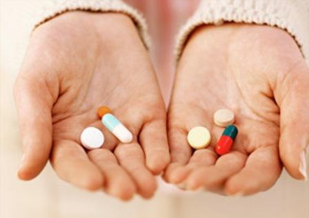 Bác sĩ giải đáp: Mẹ có nên uống thuốc khi đang cho con bú? - Ảnh 3