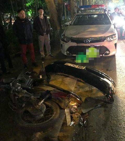 Clip nữ tài xế đi ô tô Lexus tông liên hoàn ở Hà Nội, nhiều người bị thương la liệt - Ảnh 6