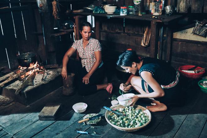 Tuổi thơ không đủ cơm ăn, làm ô sin của cô gái Ê-Đê vừa tạo nên lịch sử cho nhan sắc Việt - Ảnh 3