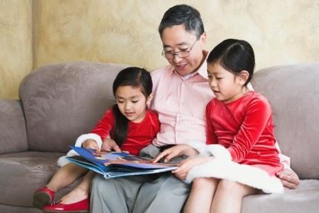 Chuyên gia hướng dẫn cách rèn luyện thói quen thích đọc sách cho trẻ - Ảnh 4